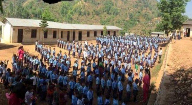 सामुदायीक विद्यालयले स्कूल बस र छात्रावास सञ्चालन गर्ने , कक्षा ८ सम्म अंग्रेजिमा पढाई