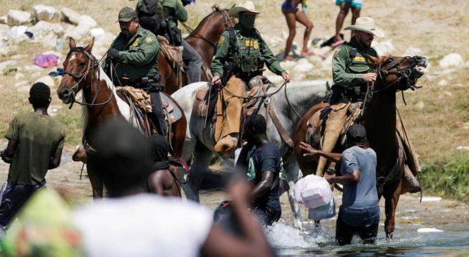 अमेरिका छिर्न खोज्ने आप्रवासीमाथि घोडा चढेका गार्डको व्यवहारले तरंग